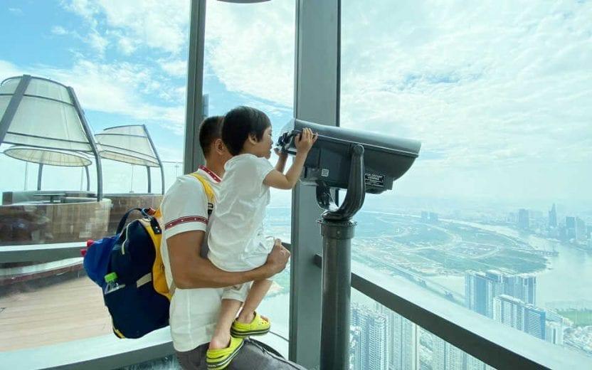 Đài quan sát từ trên cao ngắm nhìn thành phố