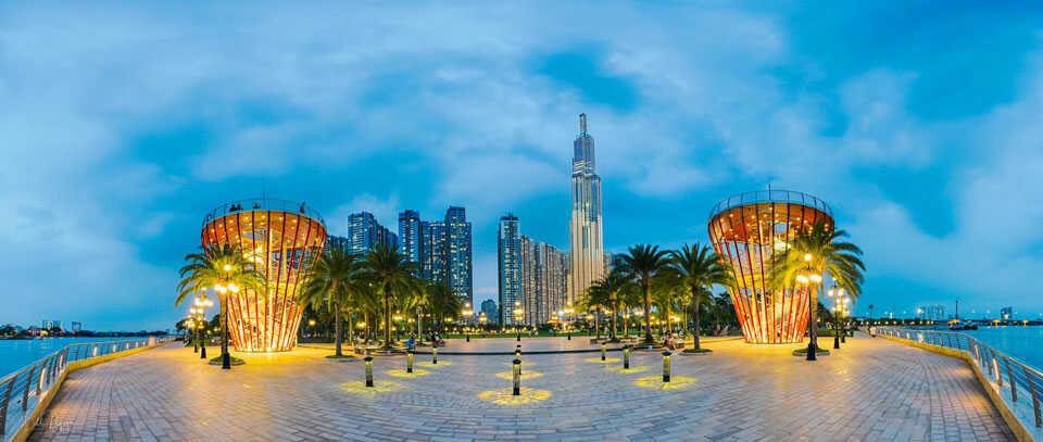 Quảng trường là khu vực hấp dẫn của công viên